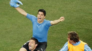 Kejamnya Tangan Tuhan Luis Suarez untuk Ghana Tujuh Tahun Lalu