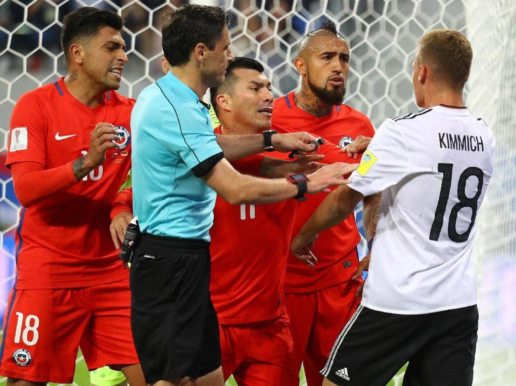 Tentang Pertengkaran Vidal dan Kimmich di Final Piala Konfederasi