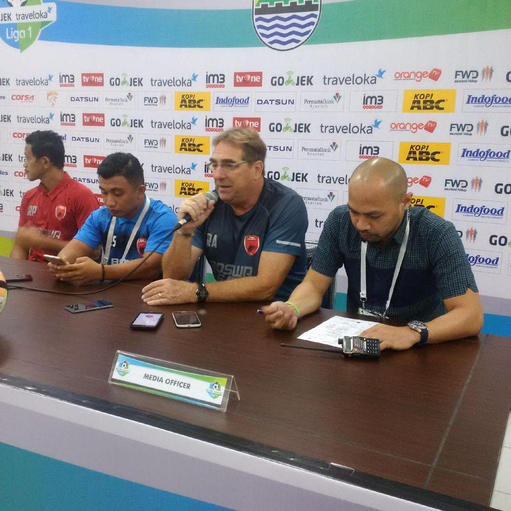 Pelatih PSM Keluhkan Kualitas Wasit Asing