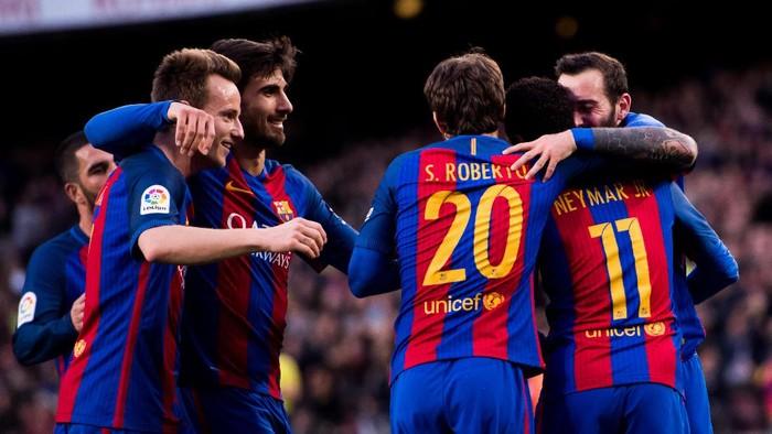 Para pemain Barcelona (Foto: Alex Caparros/Getty Images)