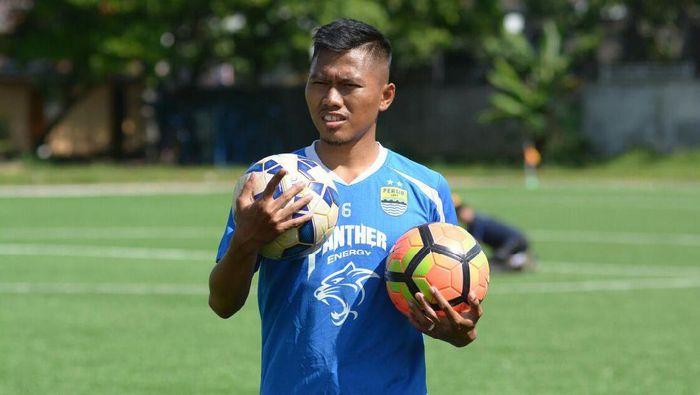 Pemain yang baru saja meninggalkan Persib Bandung, Tony Sucipto. (Foto: dok: Istimewa)