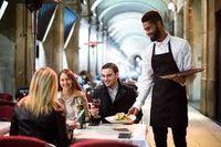Kenali 12 Ciri Restoran yang Makanan dan Layanannya Buruk (1)
