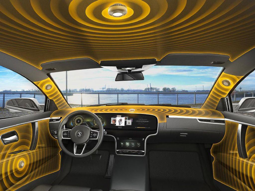 Hati-hati Sistem Hiburan di Mobil Bisa Bikin Celaka