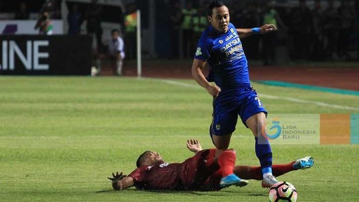 Persib vs PSM (Foto: Liga-Indonesia.id)
