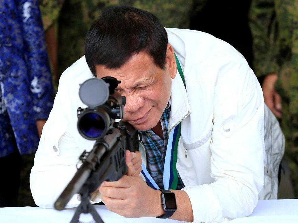Ekspresi Presiden Duterte yang Ingin Makan Abu Sayyaf Hidup-hidup
