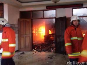Kemarau, Dinas Kebakaran Surabaya Gencar Sosialisasi