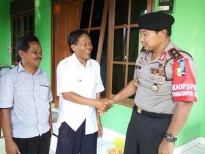 Mobil Ditabrak, Jenderal Polisi Ini Malah Silaturahmi ke Penabraknya