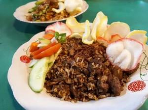 Nasi Goreng Kebuli Enak Ada di Kaki Lima hingga Kafe