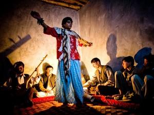 Perbudakan Seks Berkedok Tarian Pria Cantik di Afganistan
