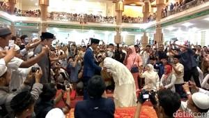 Momen Kikuk Sonia saat Cium Tangan Muzammil Usai Akad Nikah