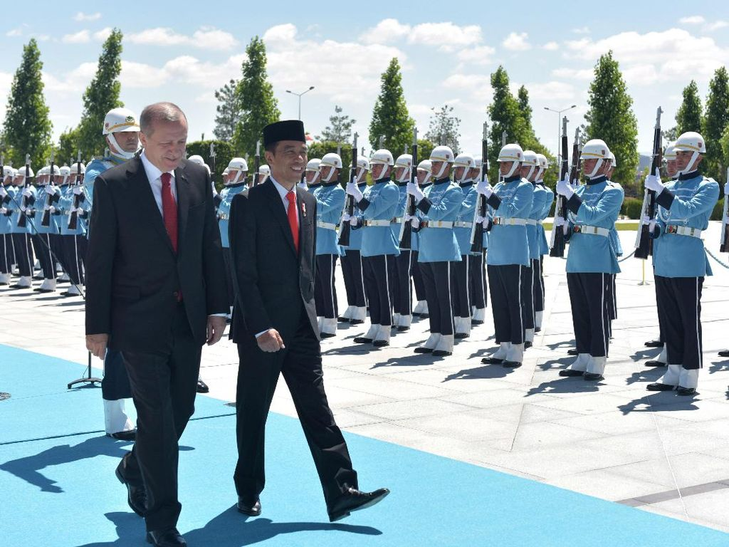Jokowi Atur Waktu Telepon Erdogan yang Menang Pilpres Turki