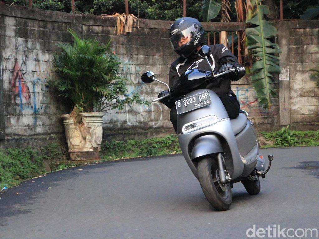 Motor Listrik Made In Indonesia Masih Jualan 500 Unit per Bulan