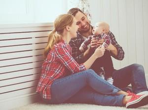 Ingin Punya Anak Setelah Nikah? Peneliti Harvard Sarankan Cari Brondong