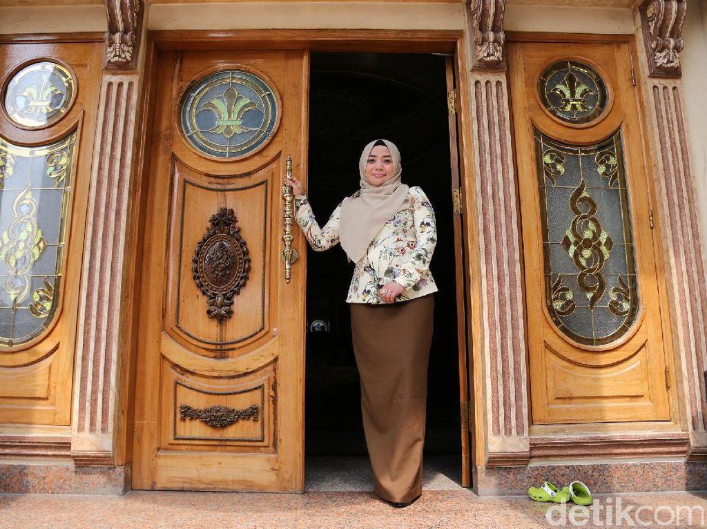 Jawaban Muzdalifah saat Rumah Mewahnya Masuk Forum Jual Beli