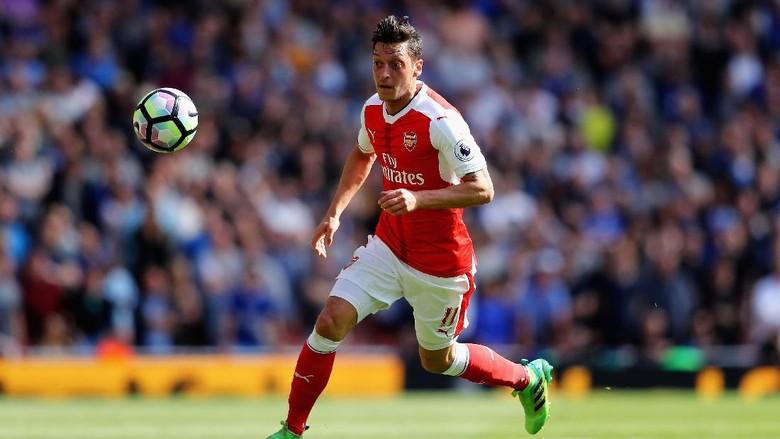 Oezil Diklaim Masih Ingin Main di Premier League 2-3 Tahun Lagi