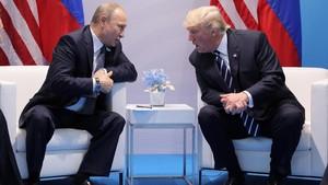 Punya <i>Chemistry</i> Positif, Pertemuan Trump dan Putin Molor 2 Jam
