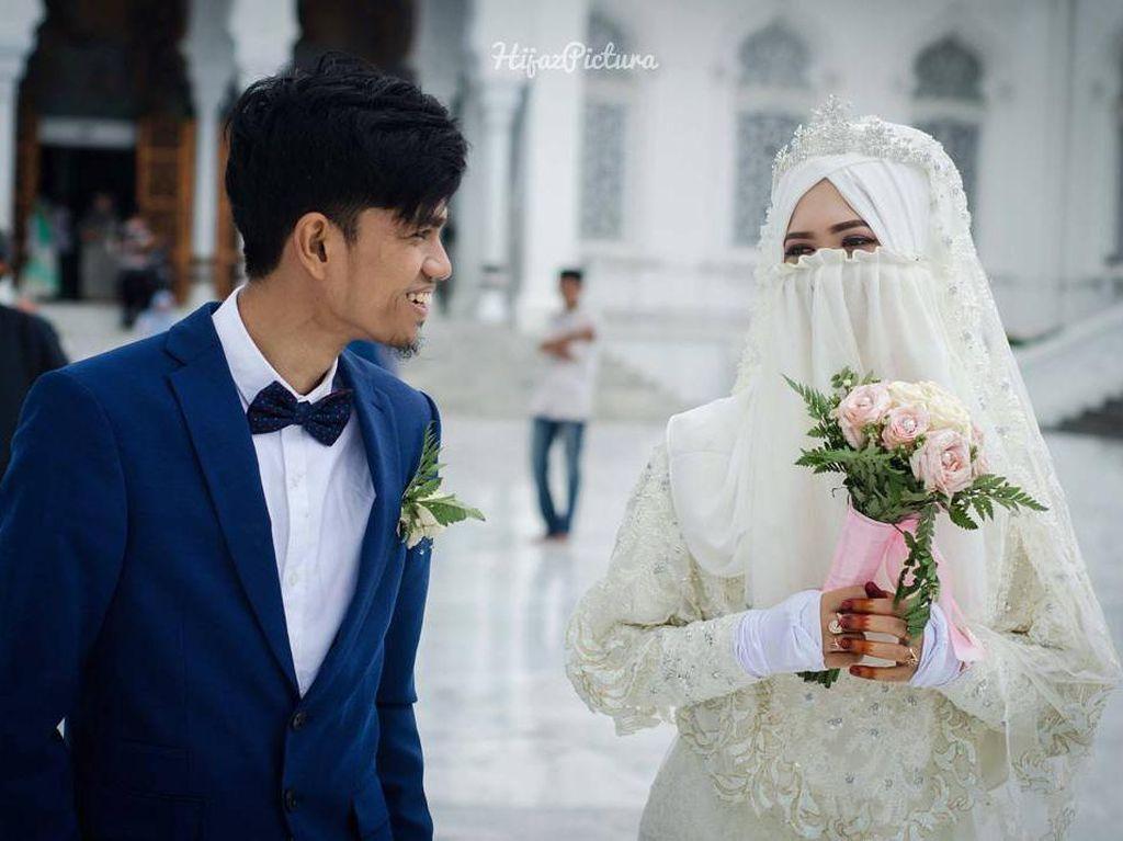 Postingan Istri Muzammil Hasballah Ini Bikin Hijabers Baper
