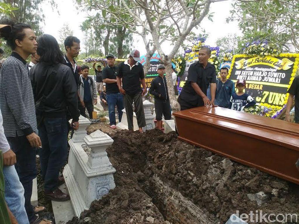 Ibu Wiji Thukul Wafat, Pemakaman Dilaksanakan di Solo
