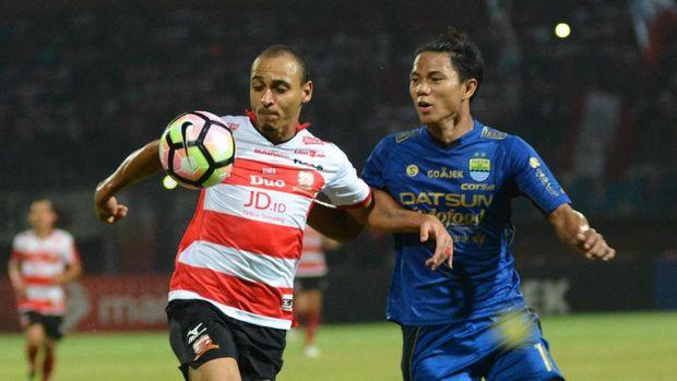 Jupe resmi tinggalkan Persib Bandung. (