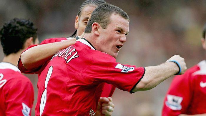 Wayne Rooney pindah dari Everton ke Manchester United saat berusia 18 tahun. Pada musim panas 2004, dia ditebus 37 juta euro oleh The Red Devils. Pemain di bawah 20 tahun termahal saat itu. (Foto: Alex Livesey/Getty Images)