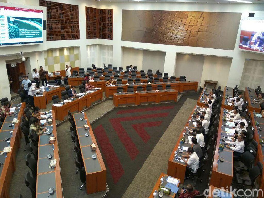 Luhut dan Wiranto Temui Banggar DPR Bahas Perubahan APBN 2017