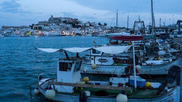 Jeli Pakai Airbnb, Ini Kisah Kamar Fiktif Rp 168 Juta di Ibiza