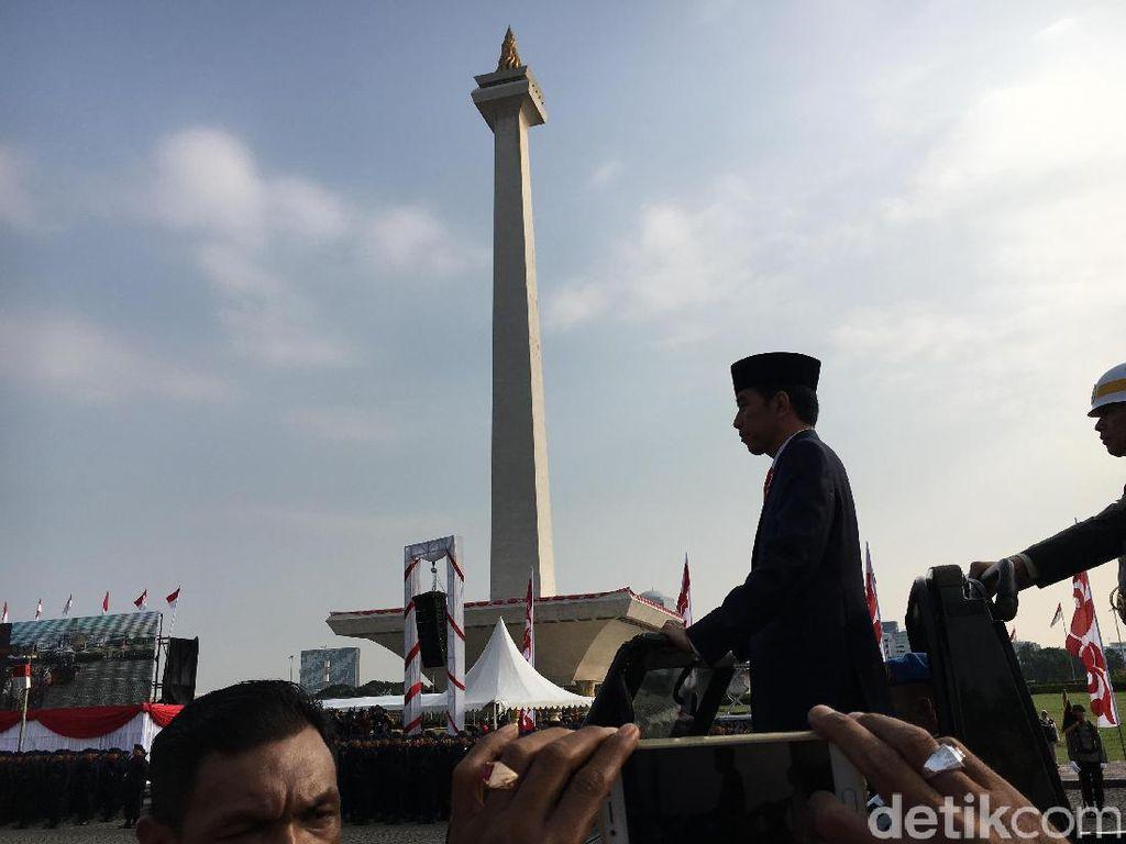 Jokowi: Polri Wujudkan 101 Pilkada Serentak 2017 Aman dan Gembira
