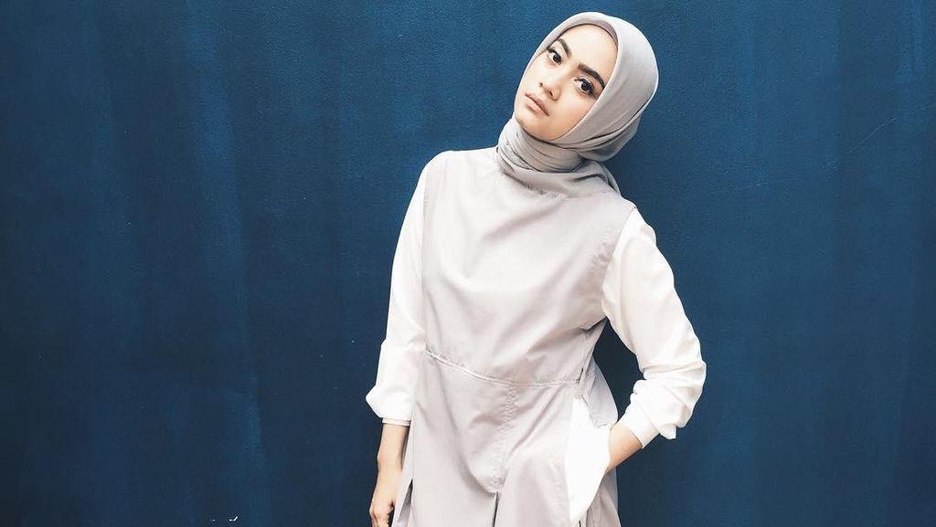 Foto: Inspirasi Gaya Hijab Ayudia Bing Slamet untuk Mahmud Berhijab