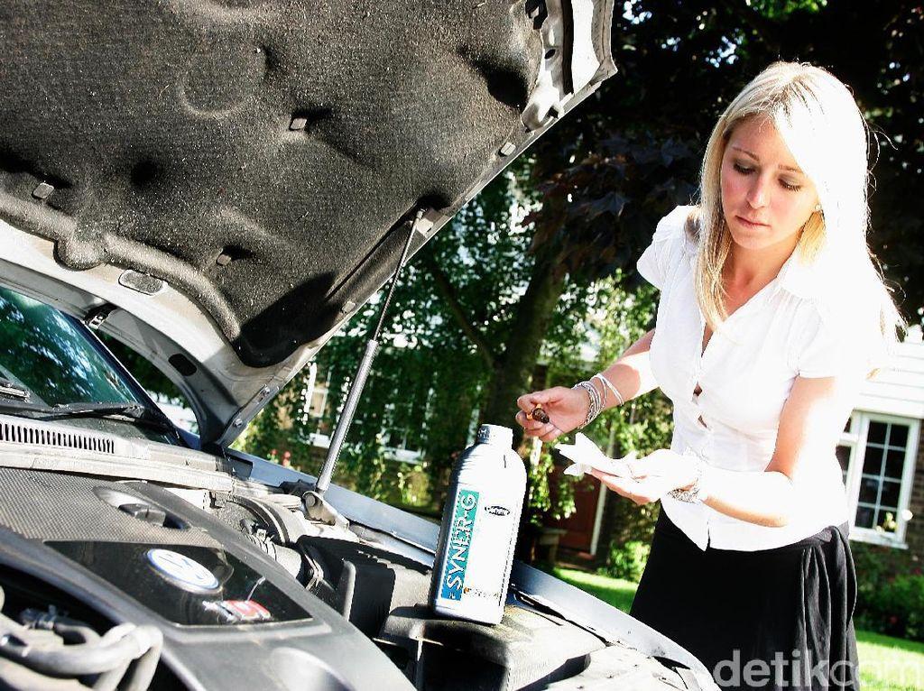 7 Mitos Perawatan Mobil, Begini Faktanya