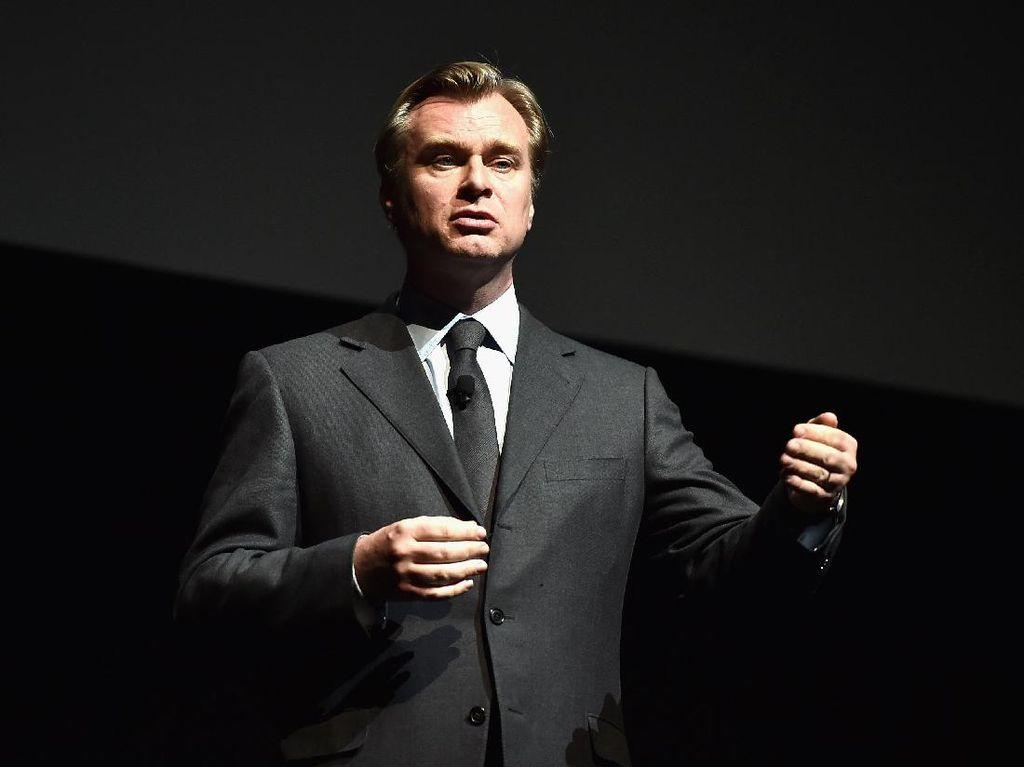 Christopher Nolan Optimis Bioskop Hidup Lagi Mulai Juli