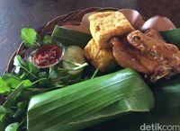 Masih di Bandung Hari Ini? Makan Siang dengan Menu Nasi Timbel Aja