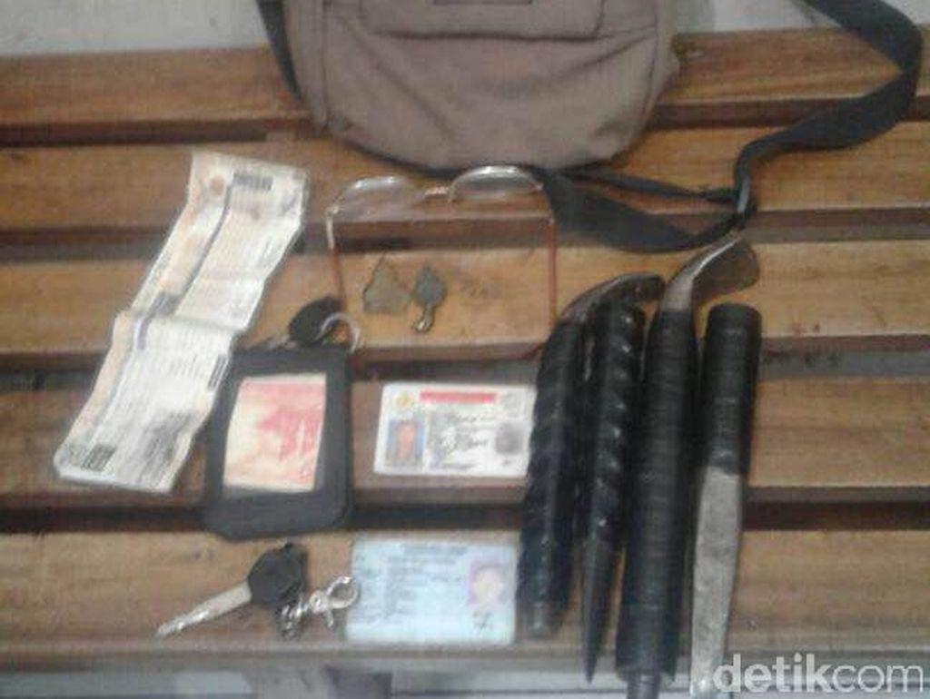 Polisi Tangkap Pencuri Rumah Kosong, Motor hingga Jimat Disita