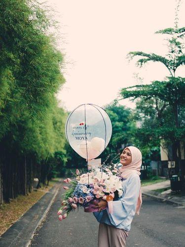Foto: Inspirasi Gaya Hijab Istri Ricky Harun untuk Kamu yang Baru Berjilbab