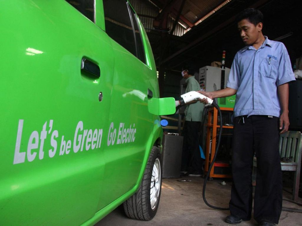 Realisasi Mobil Listrik di Indonesia Masih Butuh Waktu