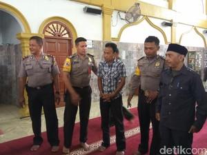 Seorang Pencuri Sepatu di Masjid Dikenakan Sanksi Adat Aceh