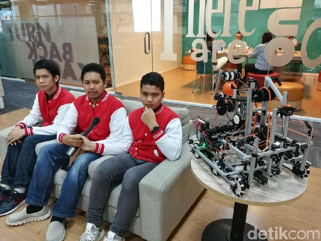 Cara Telkom Dukung Madrasah Depok Lomba Robot Internasional