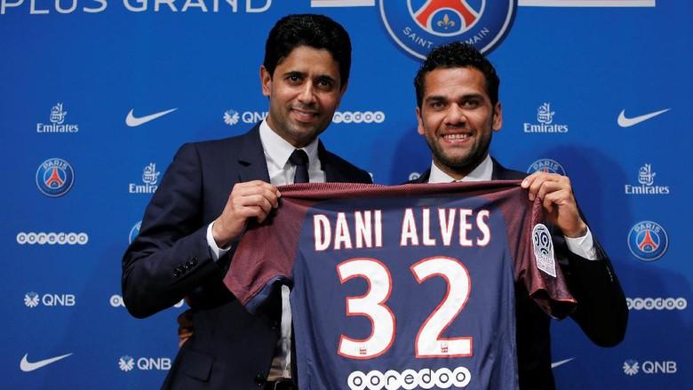 Tolak City, Dani Alves Jatuh ke Pelukan PSG