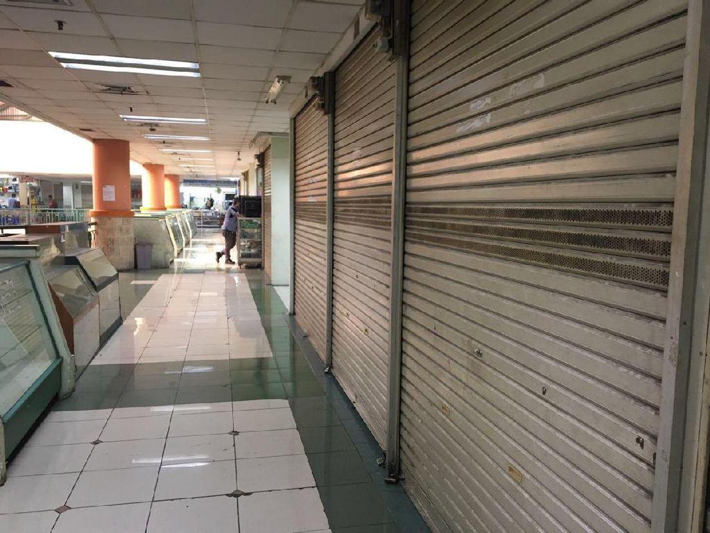 Sepi Pembeli, Pedagang Elektronik Glodok Pilih Tutup Toko