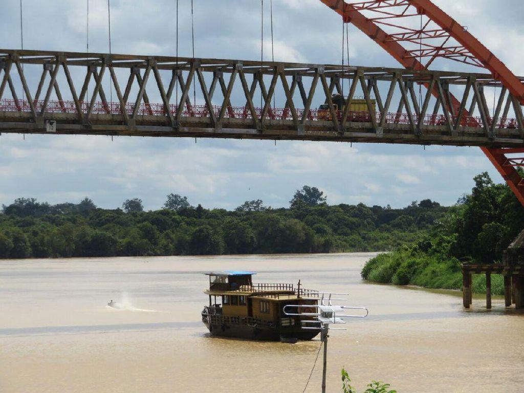 Wajah Jembatan Sungai Kahayan yang Membelah Kota Palangka Raya