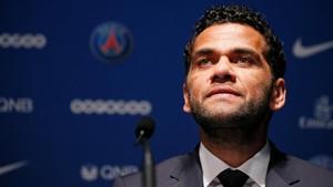 Dani Alves Bantah Pengaruhi Neymar agar Gabung PSG