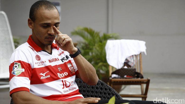 Odemwingie Sempat Stres dengan Macetnya Jakarta