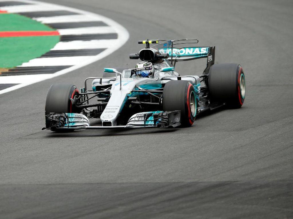 Giliran Bottas Tercepat, Hamilton Kedua