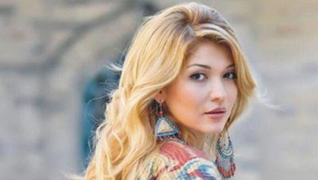 Pesona Kecantikan Khas Wanita Uzbekistan