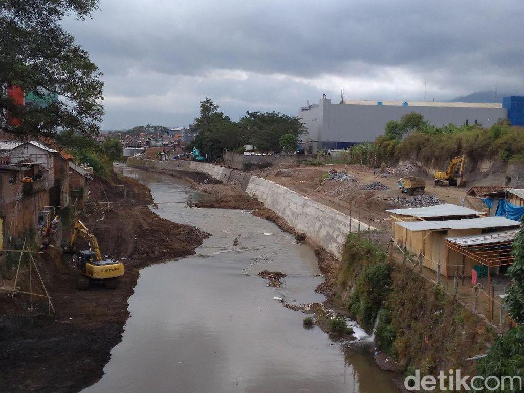 Cegah Banjir Bandang, Pemkab Garut Perbaiki Tanggul Cimanuk