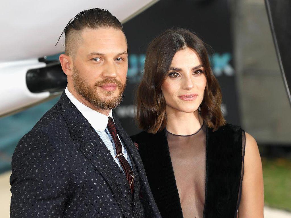 Kabar Bahagia, Tom Hardy Sambut Kehamilan Sang Istri