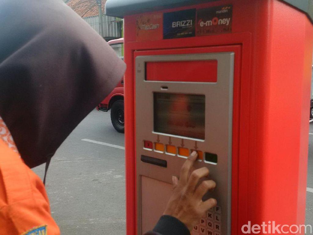 Foto: Sengkarut Mesin Parkir Elektronik di Kota Bandung