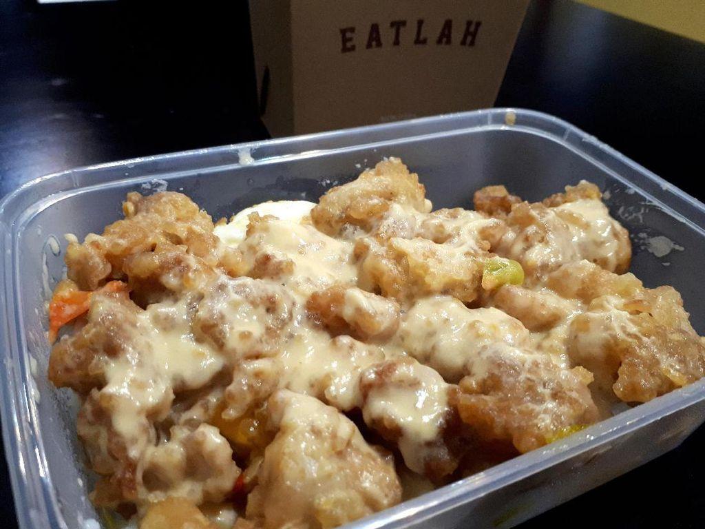 Eatlah: Di Sini Ada Salted Egg Chicken Rice Gaya Singapura yang Sedap