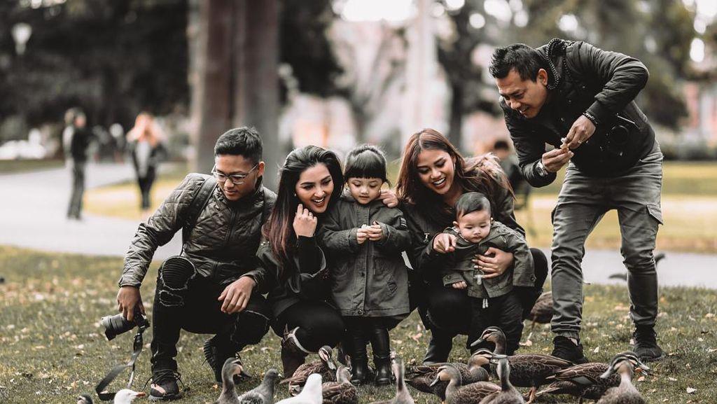 Kompak Selalu! Ini Nih Gaya Liburan Keluarga Ashanty di Melbourne