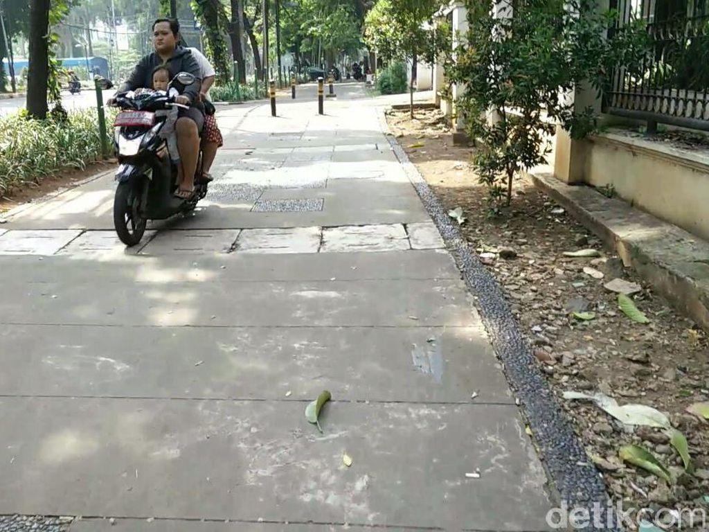 Saat Pejalan Kaki Sudah Kehilangan Tempat di Jakarta