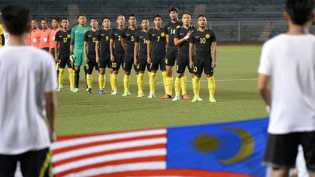 Timnas Malaysia mengalami penurunan peringkat di daftar ranking FIFA.